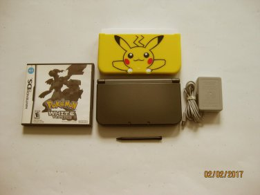 Nintendo New 3DS XL Black w Pokemon White & More !!
