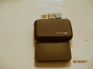 Nintendo New 3DS XL Black w Pokemon Platinum & More !!