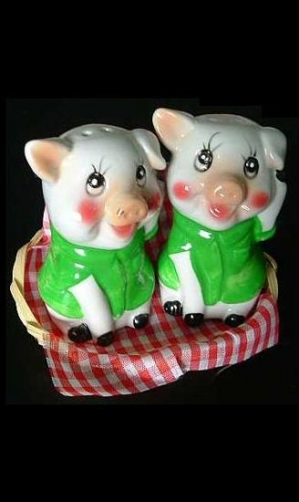 PERKY AND PORKY PIG SALT AND PEPPER SHAKERS