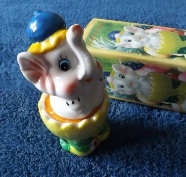 ELLIE THE ELEPHANT STACKING SALT AND PEPPER SHAKERS CRUET SET IN BLUE