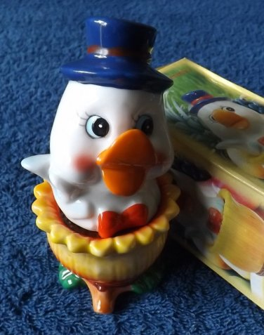 DICKIE THE DUCK STACKING SALT AND PEPPER SHAKERS CRUET SET