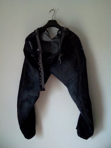 """slightly used"" FASHIONABLY DESIGNED MEN DENIM TWISTED JEANS rrp £49"
