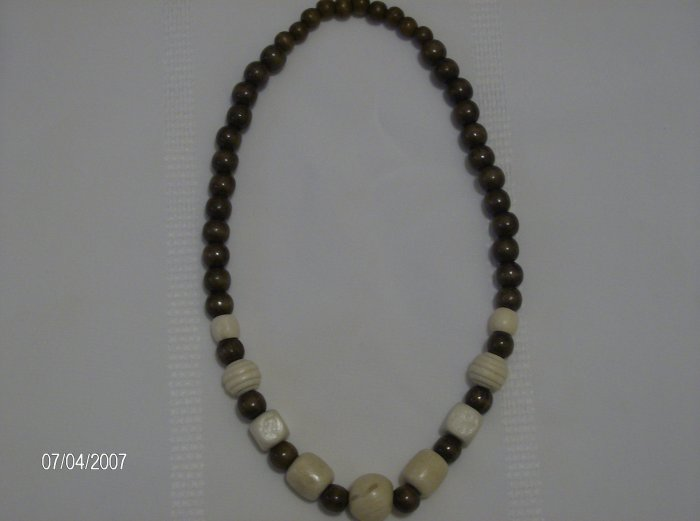Elastic Wooden Beaded Necklace 26 inch