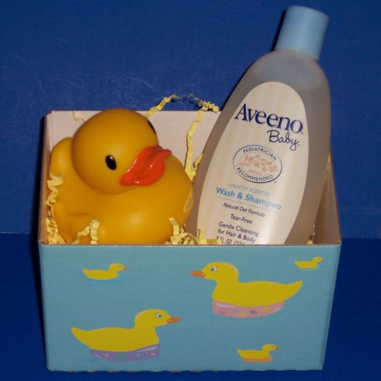 Bathtime for Baby Gift Set with Onesie