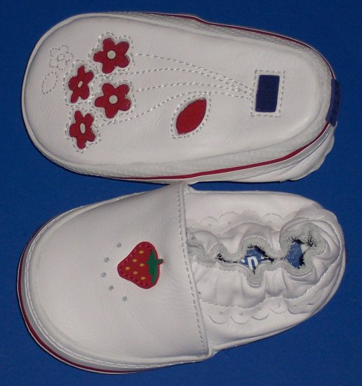 "Keds Soft White Leather ""Pixie"" Shoes Baby Girl Size 2 Strawberries and Ruffles"