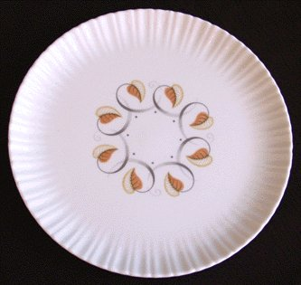 Vintage Dishes HARKER Leaf Swirl LUNCHEON PLATE har85