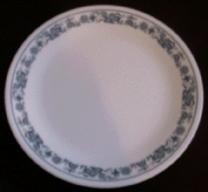CORELLE Milk Glass DINNER PLATE Old Town Blue