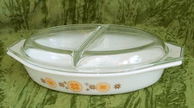 PYREX Divided Casserole Dish W/Lid TOWN & COUNTRY