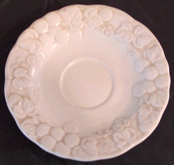 Vintage METLOX POPPYTRAIL Antique Grape SAUCER