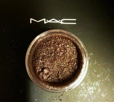 MAC Mauvement Pigment 1/4tsp Sample