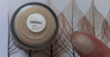 MAC Provence Pigment Sample