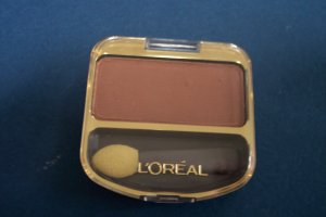 L'OREAL single color eye shadow NEW! 0.1oz