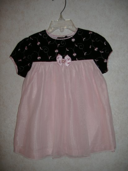 Little Girl's Dress   Size 24 Months