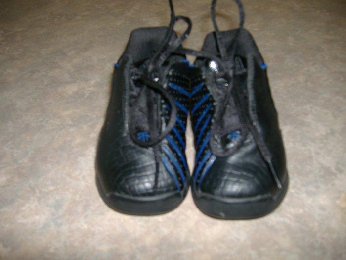 Infant Boys AdidasTennis Shoes    Size 4
