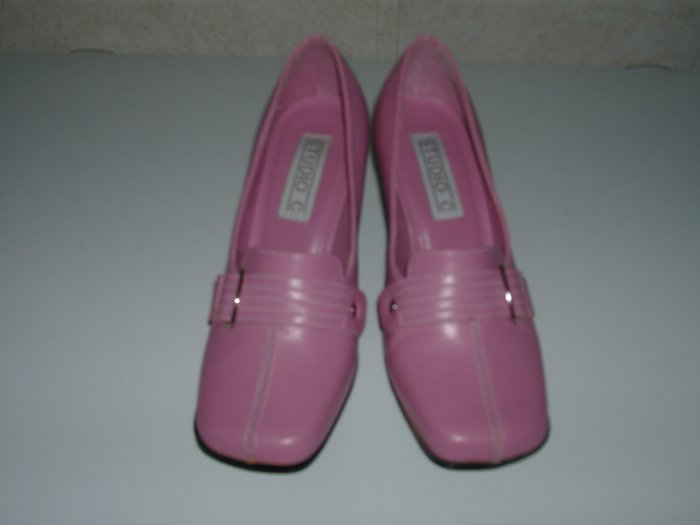 Ladies Pink Pump Heels    Size 7