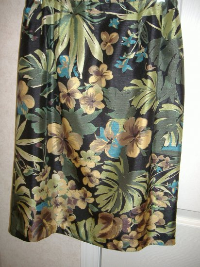 2 Piece Skirt Set by Jessica Howard  Size 6