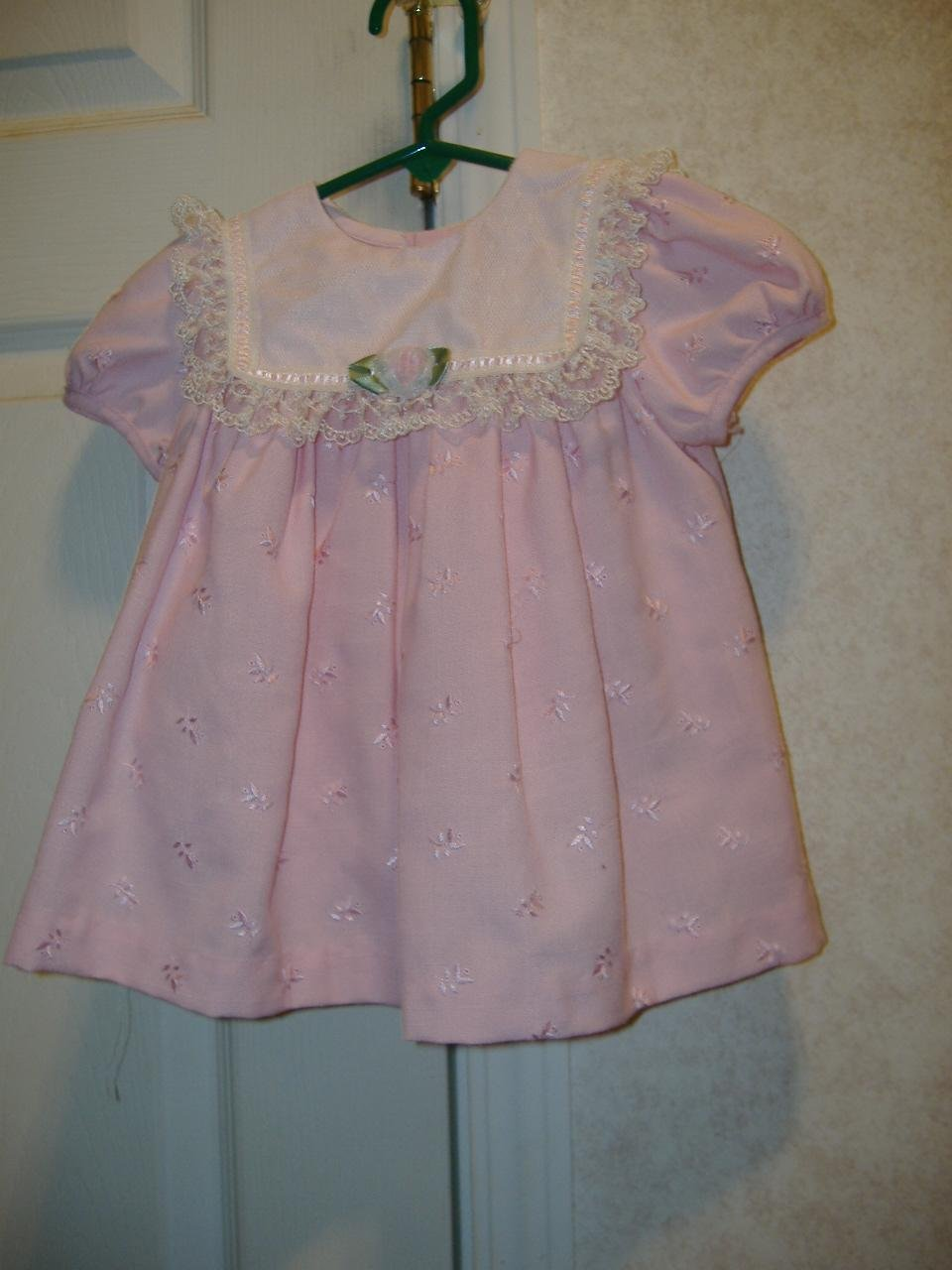 2 Piece Infant Girl Set By Baby Togs   Size 6 -9 Months