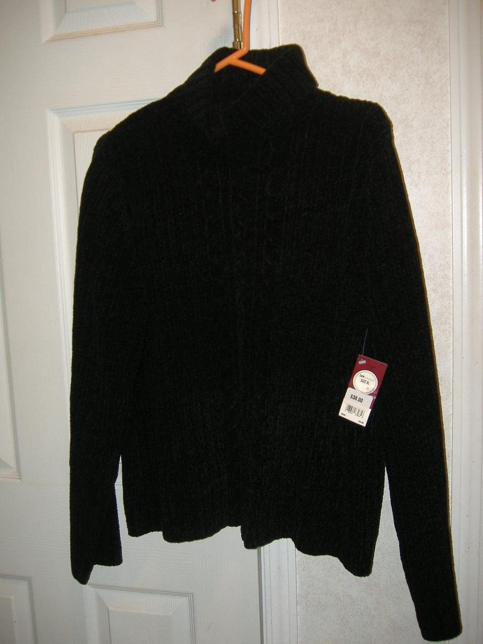 Woman Lee /Riveted Sweater     Size XL