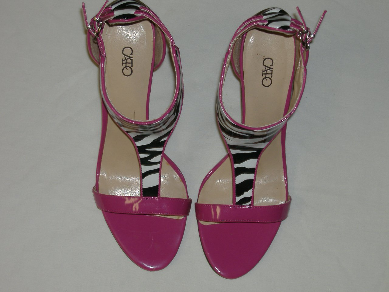Pair Of Lady Shoes From Cato's      Size 9