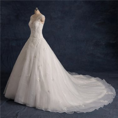 Scoop Lace Wedding Dress Sleeveless Nail Bead Chapel Train Wedding Gowns D2015782