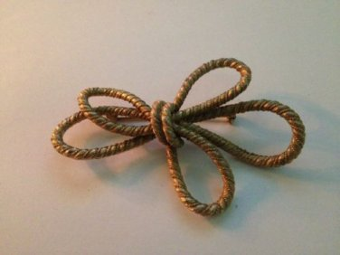 Vintage Gold Toned Rope Pin