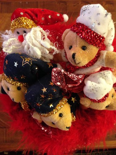 Red Christmas Bouquet with One Santa Claus & Four Bears, Best Christmas Gift