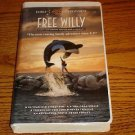 FREE WILLY VHS  in Clam Shell Case