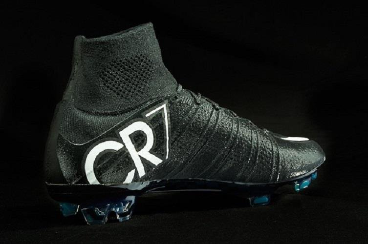 new product 6ae87 33944 cr7 soccer cleats high tops
