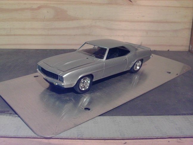 1969 Chevrolet Camaro Z/28 RS 1/25 Scale Model in Silver Metallic