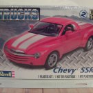 Revell 1999 Chevrolet SSR Pickup 1/25 Scale Model Kit 85-4052