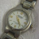 ELEGANT SEIKO WATER RESISTANT QUARTZ LADIES WATCH  8Y21-0020 ~ ROMAN NUMBERS