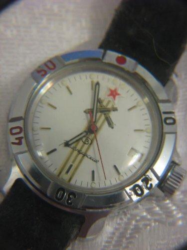 SOVIET RUSSIAN VOSTOK COMMANDERS ARTILLERY WATERPROOF DATE WATCH W/LEATHER BAND