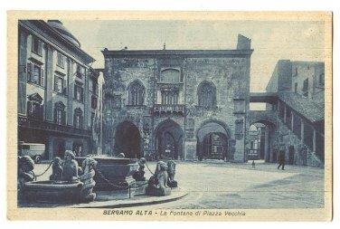 FOUNTAIN IN OLD SQUARE BERGAMO ALTA ITALY POSTCARD