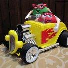 BEAUTIFUL BIG M&M'S CANDY DISPENSER RED + GREEN IN A CAR AUTO