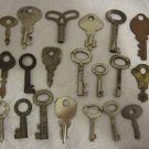 LOT OF 20 VINTAGE METAL SKELETON DIARY, CLOSET, CLOCK LOCK KEYS #7