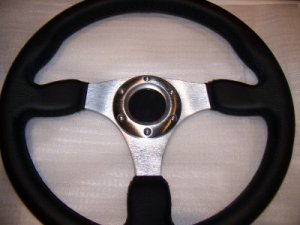 FORD MUSTANG BRONCO PICK UP LEATHER STEERING WHEEL
