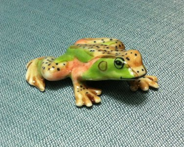 Frog Green Miniature Funny Animal Hand Made Painted Ceramic Statue Figure Small Craft Collectible