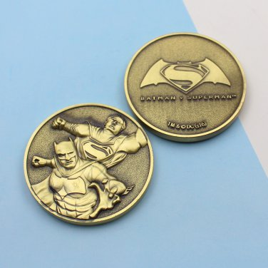 Supermanvs Vs Batman Coin 1 3/4 Inch