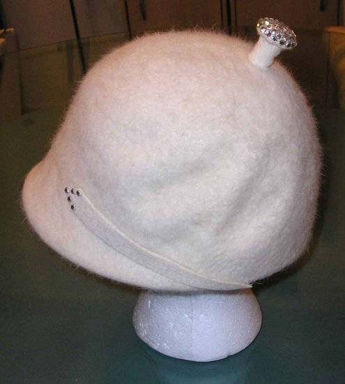 VINTAGE 1950'S IVORY FUR FELT HAT with RHINESTONES FUNKY & UNIQUE!