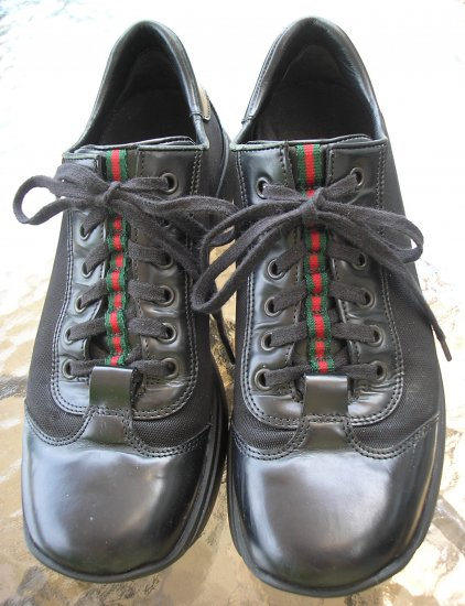 GUCCI BLACK LEATHER SNEAKERS 100% AUTHENTIC WOMEN's Size 10!