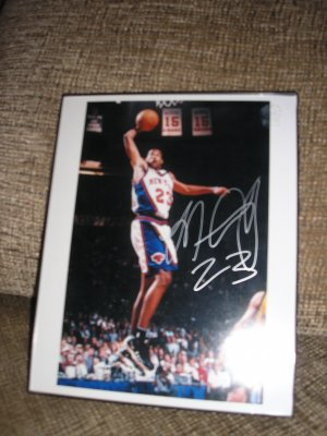 NY KNICKS MARCUS CAMBY AUTOGRAPHED Picture!