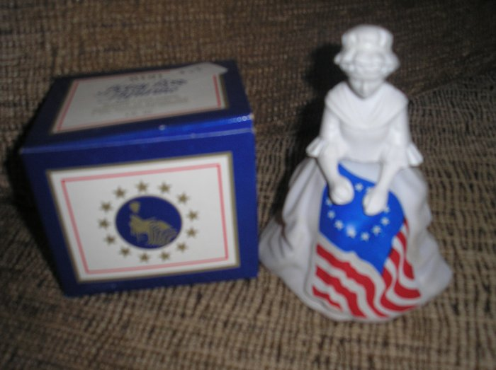 "AVON VINTAGE COLOGNE BICENNTENIAL DECANTER - ""BETSY ROSS FIGURINE"" - NEW IN ORIGINAL BOX!"