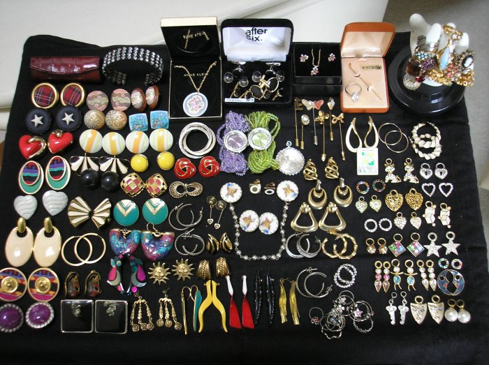 Buy ringswatches - Jewelry Lot Of 105+ Pieces - Tuxedo Sets, Rings, Watches, Vintage Pie