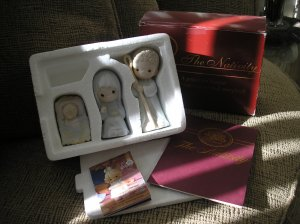 PRECIOUS MOMENTS COME LET US ADORE HIM NATIVITY SET #142735 - NEW IN BOX!