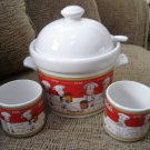 "CAMPBELL'S SOUP CROCK POT w/ LADEL, COVER & 2 MUGS FEATURING ""THE CAMPBELL'S KIDS"" - BRAND NEW!"