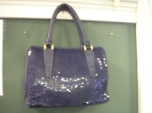 WHITING and DAVIS NAVY VINTAGE 1970s MESH HANDBAG with LOTS OF ROOM!