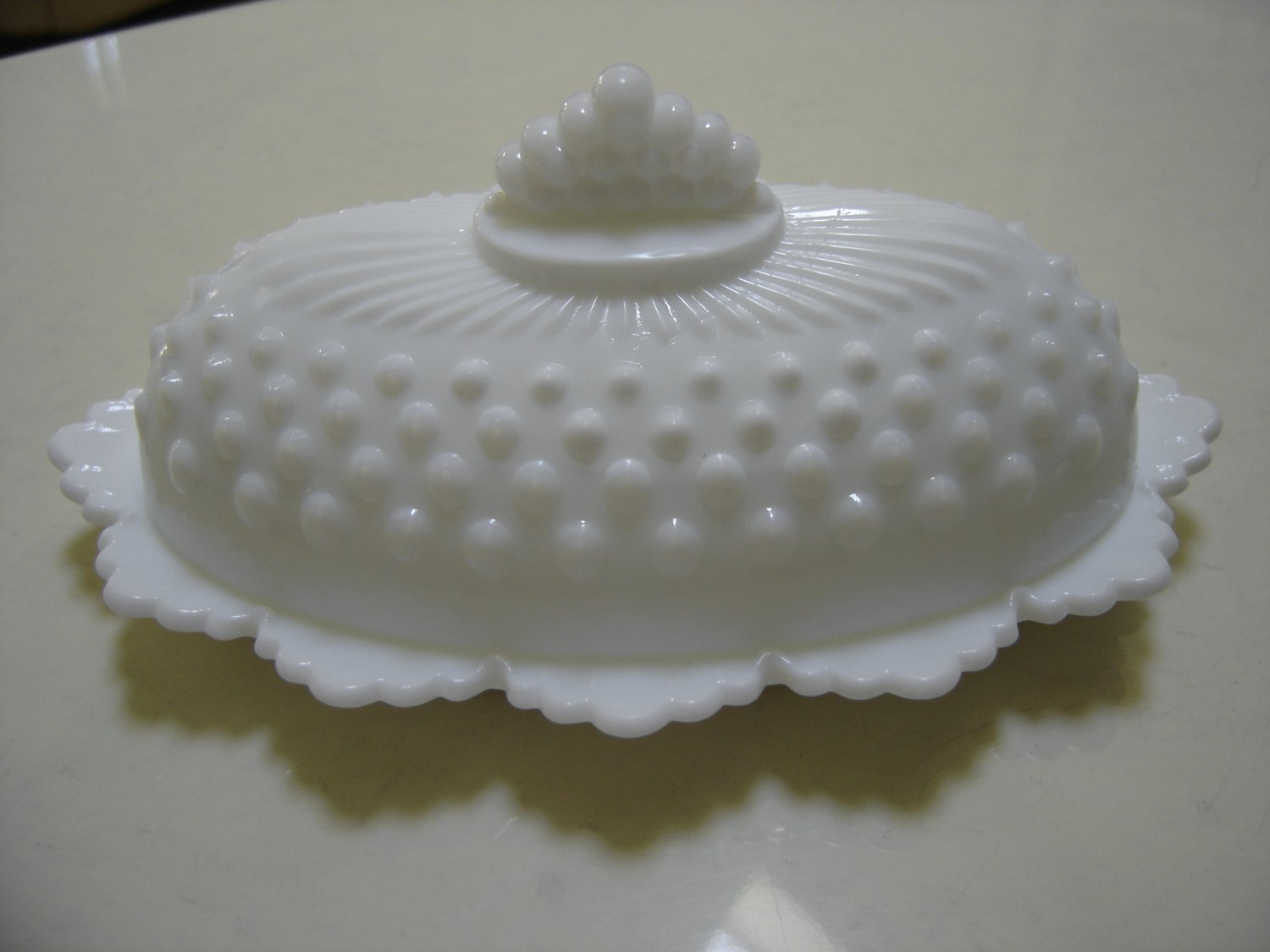 VINTAGE FENTON HOBNAIL MILK GLASS OVAL QUARTER POUND COVERED BUTTER DISH - LOVELY!