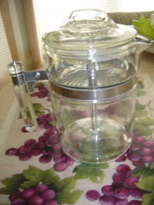 VINTAGE PYREX COFFEE POT MODEL #7826-B - COMPLETE - NEW!