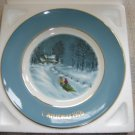"AVON 1976 CHRISTMAS PLATE ""BRINGING HOME THE TREE""- IN ORIGINAL BOX!"
