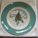 "AVON 1978 CHRISTMAS PLATE ""TRIMMING THE TREE""- IN ORIGINAL BOX!"